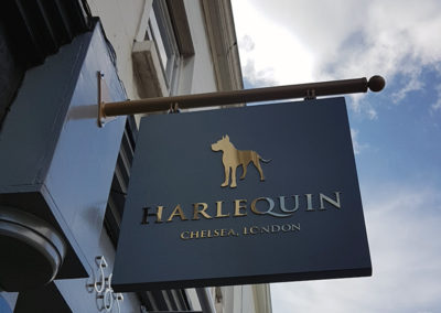 Projecting Signs for Harlequin